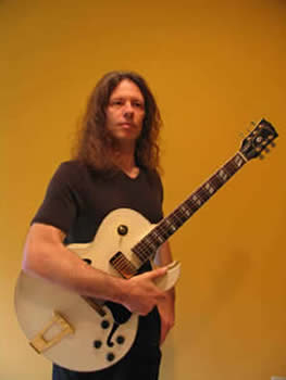 Mark Fitchett with Gibson 175